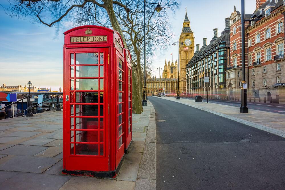 Las encantadoras cajas de televisión rojas están por todas partes durante su primera vez en Londres