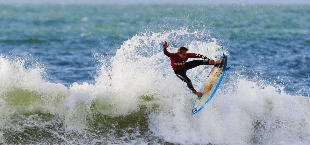 Top 9 de los destinos más locos para surfear olas grandes # 6 | Bayas cerebrales