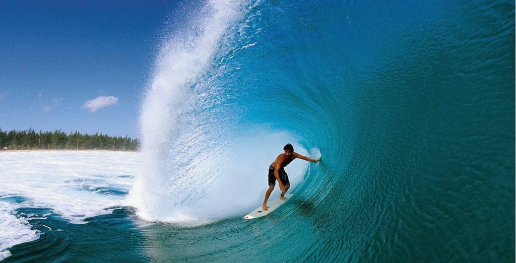 Los 9 destinos más locos para surfear olas grandes # 7 | Bayas cerebrales