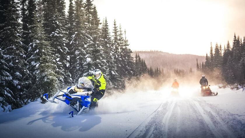 motos de nieve en canada